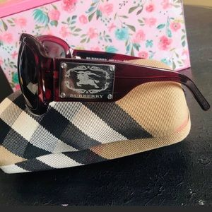 Burberry EUC B4035 Red Square Wrap Sunglasses